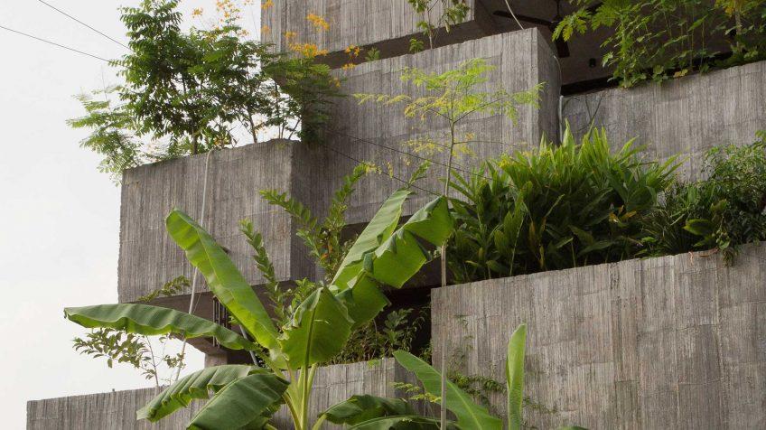 formzero planter box house